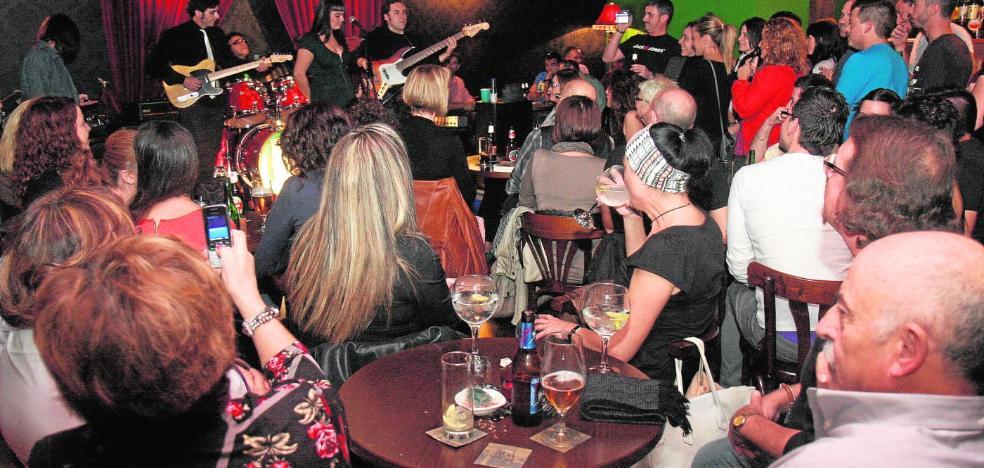 El Ayuntamiento de Cartagena pone coto a los bares que organizan conciertos sin tener autorización