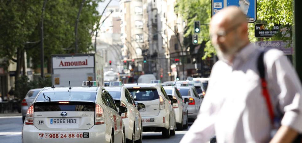 Los taxistas votarán mañana cómo repartirse el servicio en Corvera