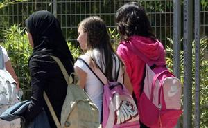 Un colegio de Jumilla impide el acceso a una estudiante de 13 años por utilizar velo