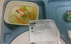 Una paciente del Santa Lucía halla un insecto muerto en una ensalada