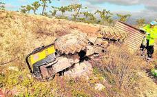 Muere un agricultor en Aledo al caerle encima el tractor que conducía