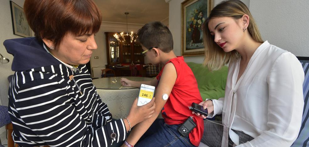«El sensor ha cambiado la vida de mis hijos, pero yo voy a ciegas»