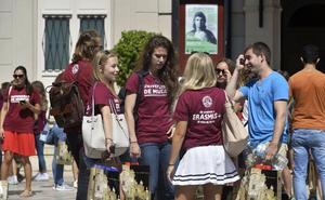 La Administración regional deja sin su beca de 25 euros al mes a un millar de 'erasmus'