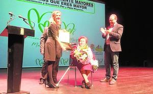 Homenaje municipal a una vecina centenaria