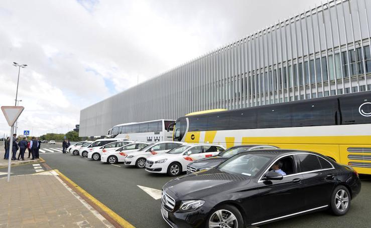 Cuatro líneas de autobús conectarán el aeropuerto de Corvera con Murcia, Cartagena y el Mar Menor