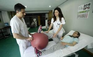 El SMS convoca 77 nuevas plazas para fisioterapeutas y matronas