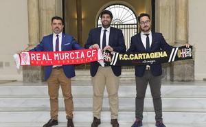 López Miras: «Murcia y Cartagena deben ascender por historia, afición y nivel»
