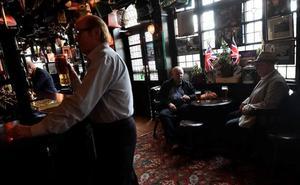 ¿Por qué están desapareciendo los típicos pubs británicos?