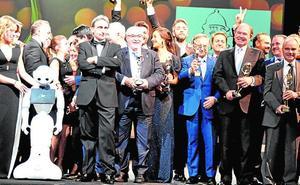 Mendoza y Fuertes reciben Antenas de oro