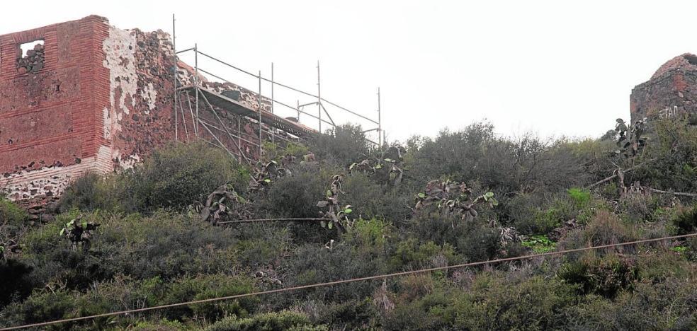 Portmán Golf empieza a restaurar las ermitas del monte Miral que aún siguen en pie