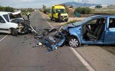 Un herido grave tras un accidente múltiple entre tres vehículos en Totana