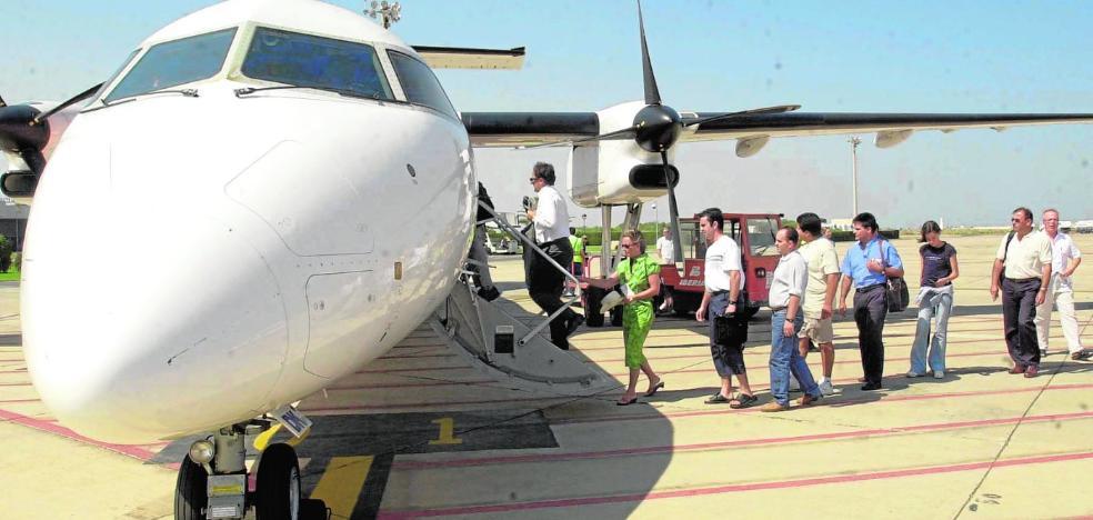 La Consejería negocia con las aerolíneas para volar a Madrid y Barcelona