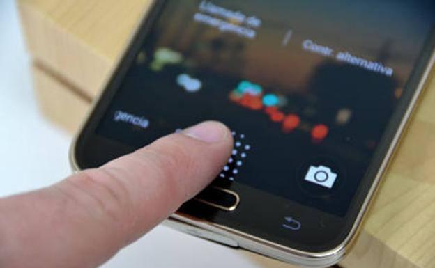 Crean una huella dactilar universal capaz de desbloquear cualquier móvil