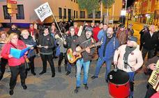 Vecinos de Santiago el Mayor insisten en que no se cierre el paso a nivel