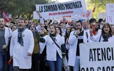 Paro de los médicos de Andalucía y Cataluña para exigir mejoras en el sistema
