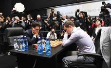Carlsen revalida su título mundial