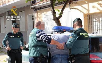 Vecinos de Beniaján denuncian una «oleada de robos en viviendas y garajes»