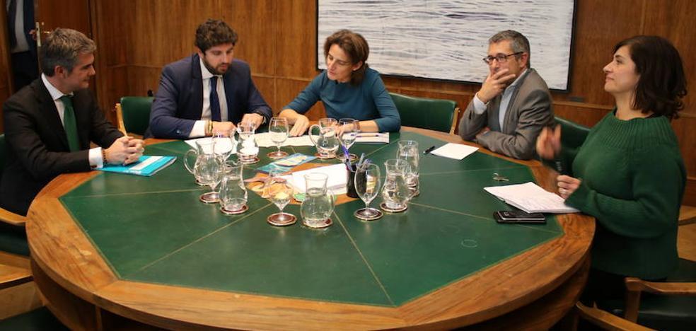 La ministra Ribera firma el 'trasvase cero' y dice que solo mandará agua si hay necesidad