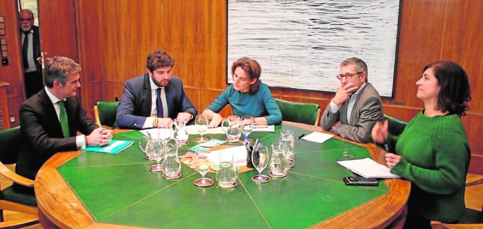 Ribera desafía a los regantes firmando el 'trasvase cero' y augura menos agua del Tajo