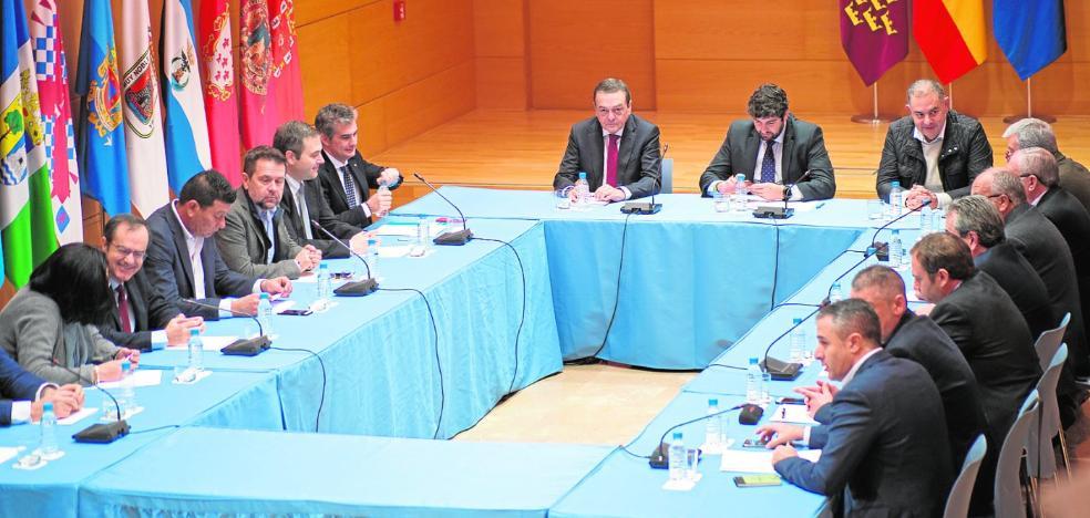 El choque de los regantes y la ministra se agrava y el Trasvase se polariza en España