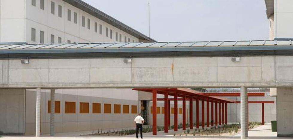 Funcionarios de Prisiones inician una huelga de hambre