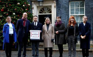 Recogen un millón de firmas para pedir un nuevo referéndum sobre el 'brexit'