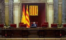 El Parlament cita a Sánchez, Rajoy, Puigdemont y Junqueras para que comparezcan por el 155