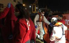 Localizan diez pateras con 128 inmigrantes en aguas de Cartagena
