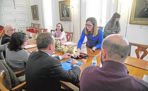 Castejón aplaza a enero las comparecencias pedidas por PP y MC y evita chocar con López