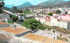 Los vecinos de Alumbres se movilizan para exigir que desvíen ya el tren de mercancías