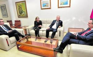 El embajador de Reino Unido visita la Región
