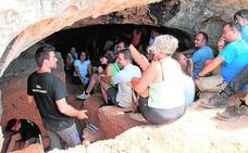 La UMU presenta un proyecto para difundir y potenciar el arte rupestre