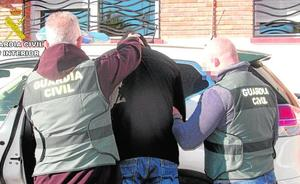 Detenidos dos atracadores por un asalto a mano armada en Mazarrón