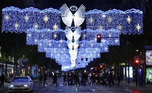 Murcia se ilumina para anunciar la Navidad