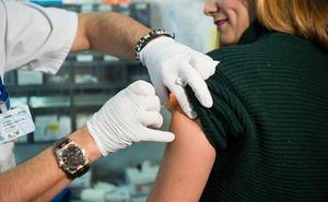 La escasez de dosis obliga a retrasar las vacunaciones de la gripe en centros de salud