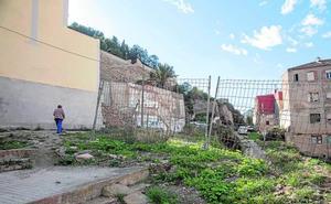 La ruina está a un paso del Parque Torres