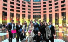 Alumnos del Narval representan a España en el Parlamento Europeo