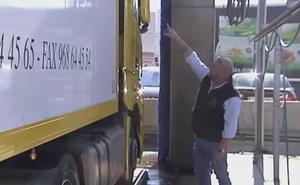 Trece inmigrantes se cuelan en Francia en un camión murciano para ir a Reino Unido