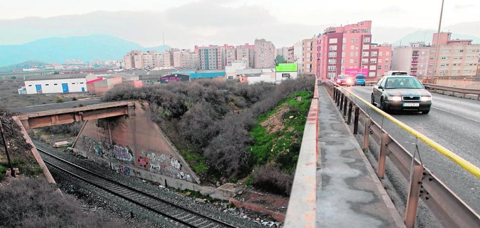 La lentitud municipal en la contratación de obras amenaza con aplazar once proyectos