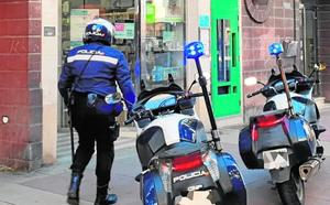 La Policía Nacional arresta al atracador de dos farmacias en el barrio del Carmen