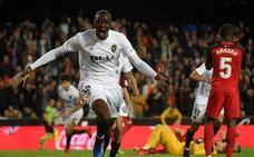El Valencia empata 'in extremis', pero no evita el enfado de Mestalla