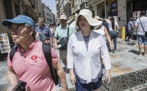 Los turistas extranjeros gastan casi mil millones en la Región en los 10 primeros meses del año