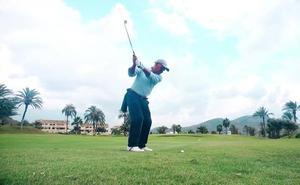Un centenar de golfistas participan en el Torneo La Verdad-La Manga Club en una jornada casi primaveral