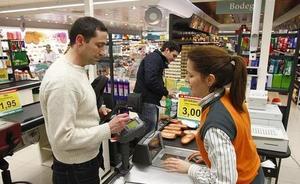 ¿Cuánto cobra un trabajador de Mercadona? Los cajeros llegarán a los 1.700 euros al mes