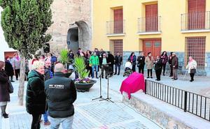 Inauguran la plaza en honor a Luis 'El sacristán' en Cehegín