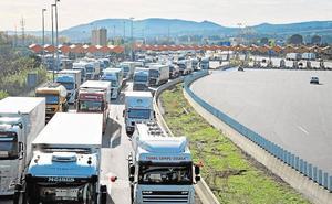 López Miras exige «contundencia» al Gobierno central ante el bloqueo en la frontera francesa