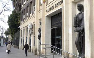 Juzgarán a un presunto exhibicionista que atacó con una pistola de clavos al padre de una posible víctima