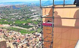 Inician las obras para consolidar la muralla medieval del castillo de Mula