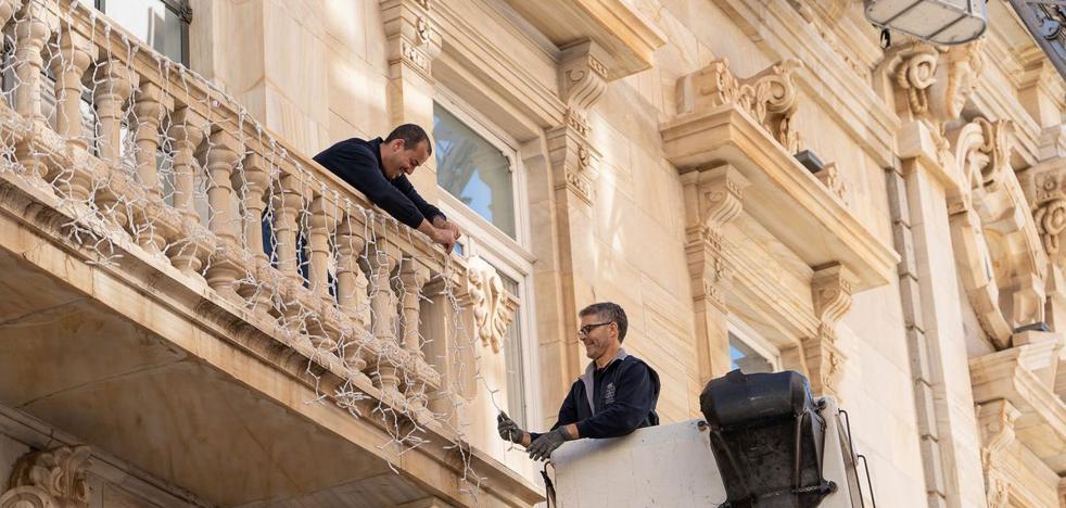 Brigadas y policías locales percibirán 600.000 euros en horas extra hasta fin de año