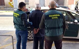 La Guardia Civil desarticula una banda sospechosa de robar más de 100 vehículos en Murcia y Alicante